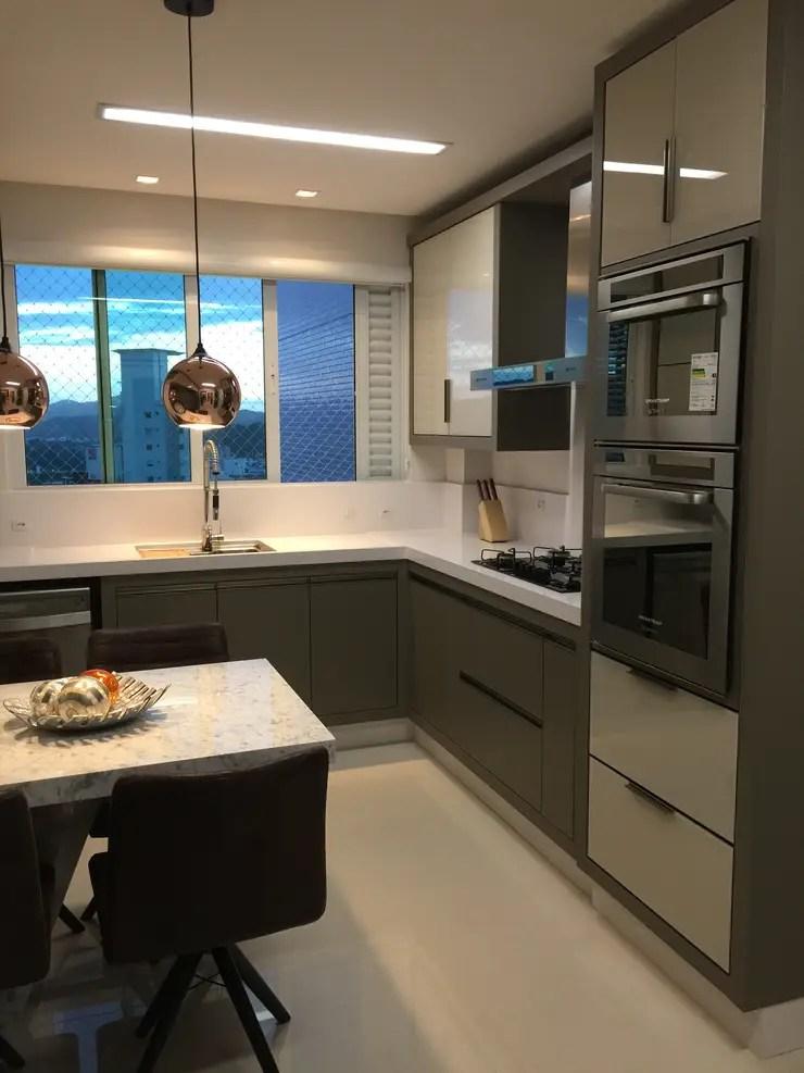 Cozinha Luxo em Balnerio Cambori por Flvia Kloss