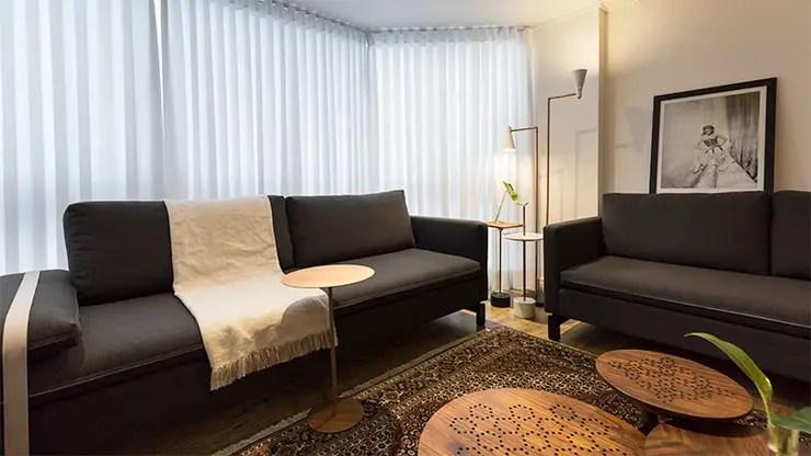 Como usar manta no sof 11 ideias para decorar a sala
