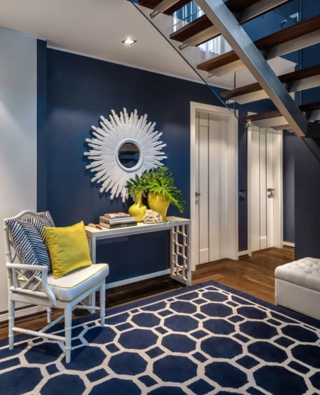 drastic colors in small spaces make for great contrast!