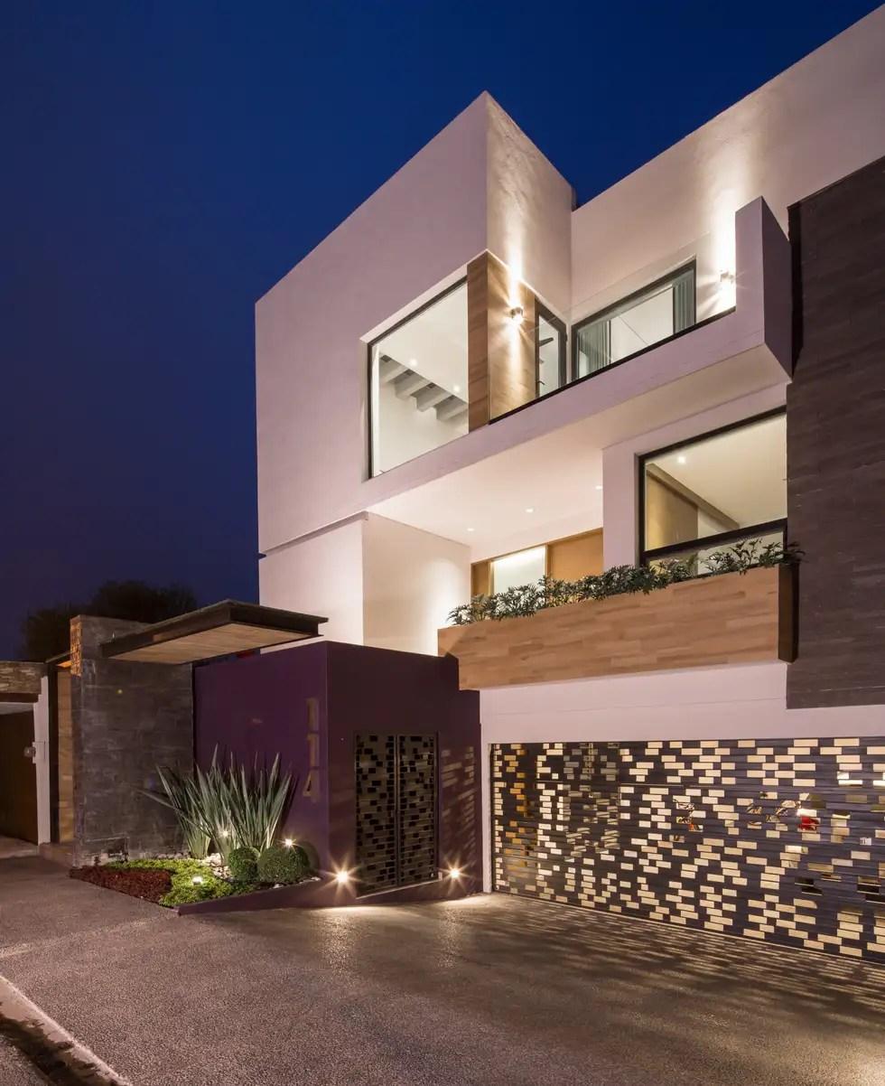 Fachada principal casas de estilo minimalista por urbn