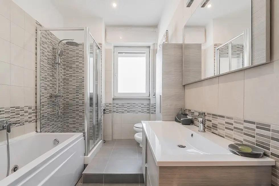 Bagno bagno in stile in stile moderno di facile ristrutturare  homify