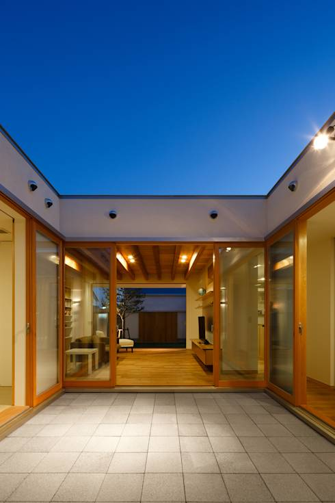 Achieving form and flow in a city bungalow
