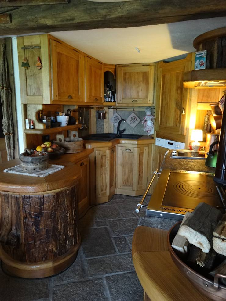Calda cucina per baita di montagna di Mobilificio
