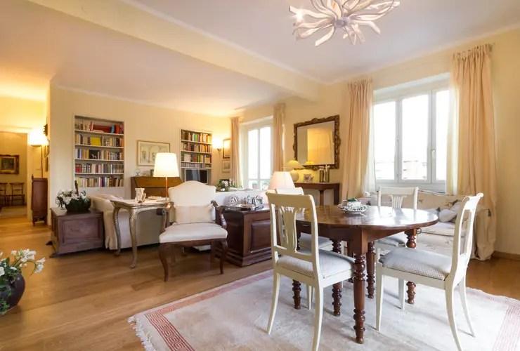 Un appartamento classico per la vita moderna