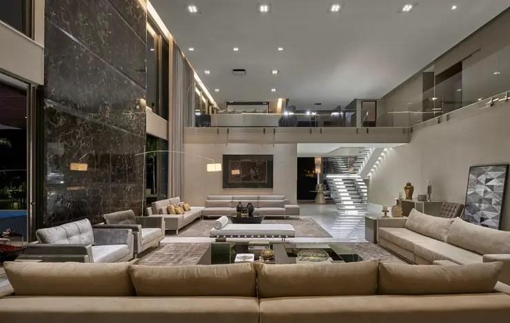 16 salas de doble altura modernas y espectaculares