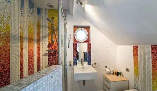10 Combinations Of Tiles That Will Make Your Bathroom Look Fancy