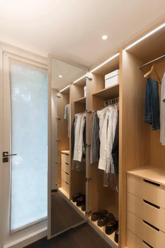 9 Desain Lemari Pakaian Untuk Kamar Sempit
