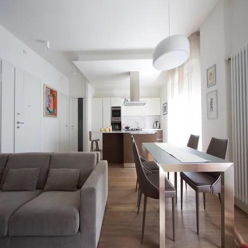 Anche se tanti pensano che arredare cucina e soggiorno in un ambiente unico dipenda essenzialmente dalla scelta di una bella cucina, non è affatto così! Dividere Sala Da Pranzo Soggiorno E Cucina 37 Trucchi Homify