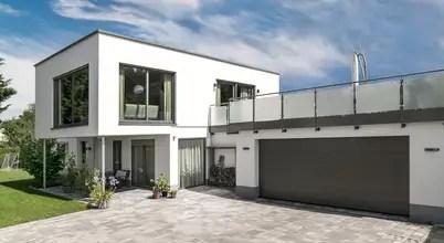 Flachdachvilla Mit Architektonischen Highlights