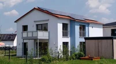 Energieefiziente Einfamilienhäuser Eines Bauunternehmens Aus Schondra