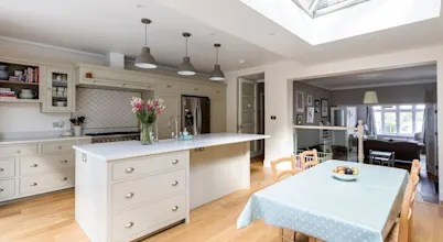 ​the Bright And Spacious Forest Hill Extension