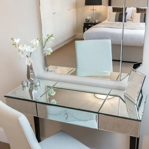 Best Dressing Tables Including White Mirrored Small Modern Vintage Hollywood Mirrors