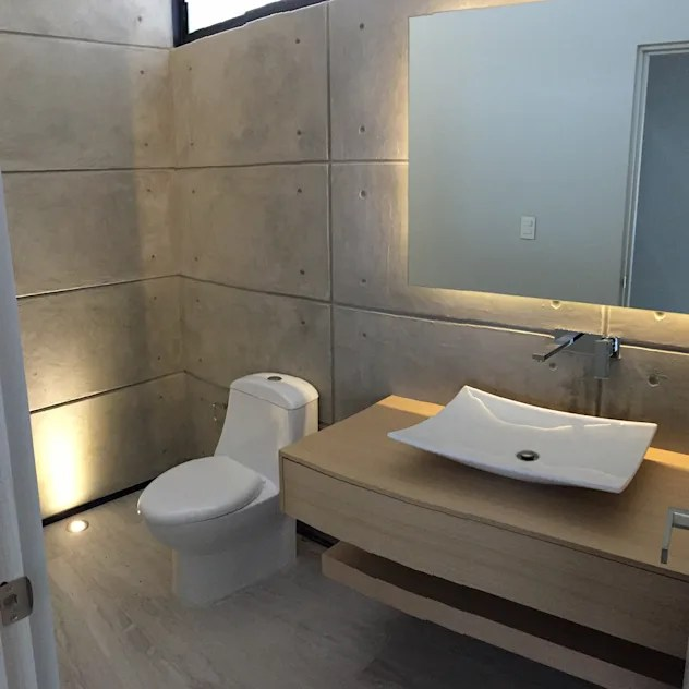 modern Bathroom by SANTIAGO PARDO ARQUITECTO