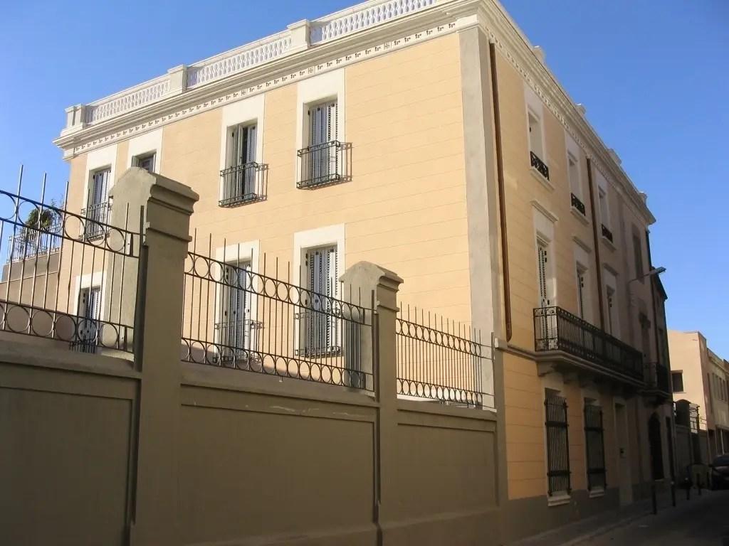 Reforma y ampliacin de edificio modernista en Sabadell de