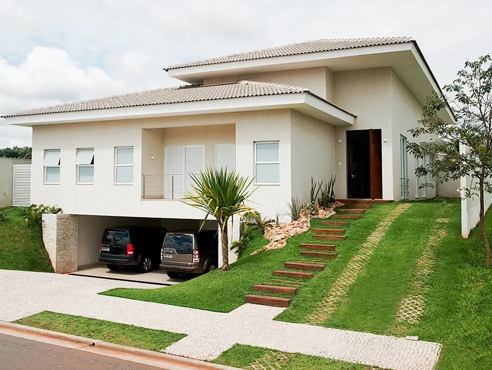 Desain Unik Rumah 1 Lantai dengan Tampak Luar Seperti 2