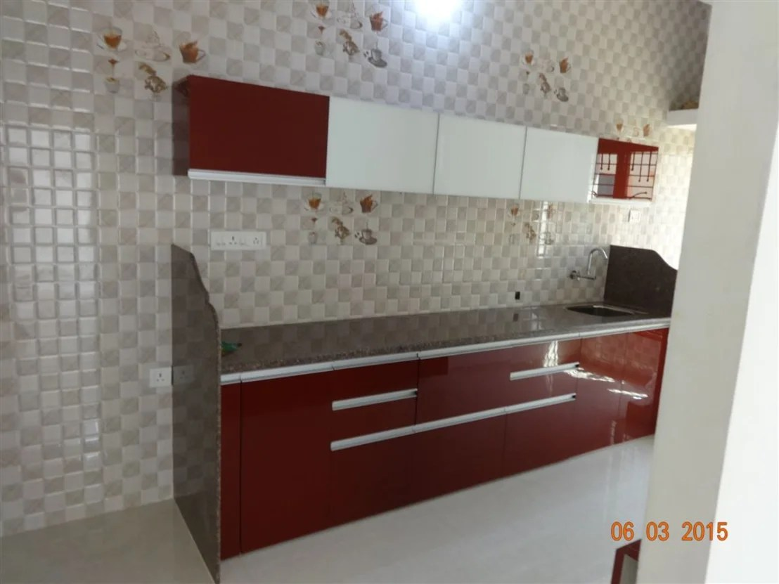 modular kitchen wall cabinets large sink design من تنفيذ aashita