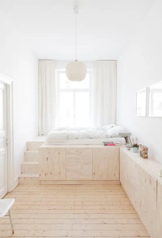 Ingresso su corridoio, cucina abitabile con balcone terrazzato, soggiorno singolo, 2 grandi camere da letto, 1 bagno e posto auto di pertinenza all'interno del condominio. 10 Stylish Sleeping Platforms For Small Spaces Homify
