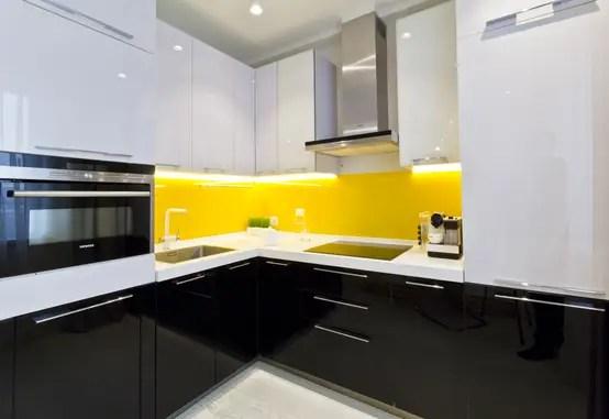 10 Fantastici Esempi per i Colori della Cucina