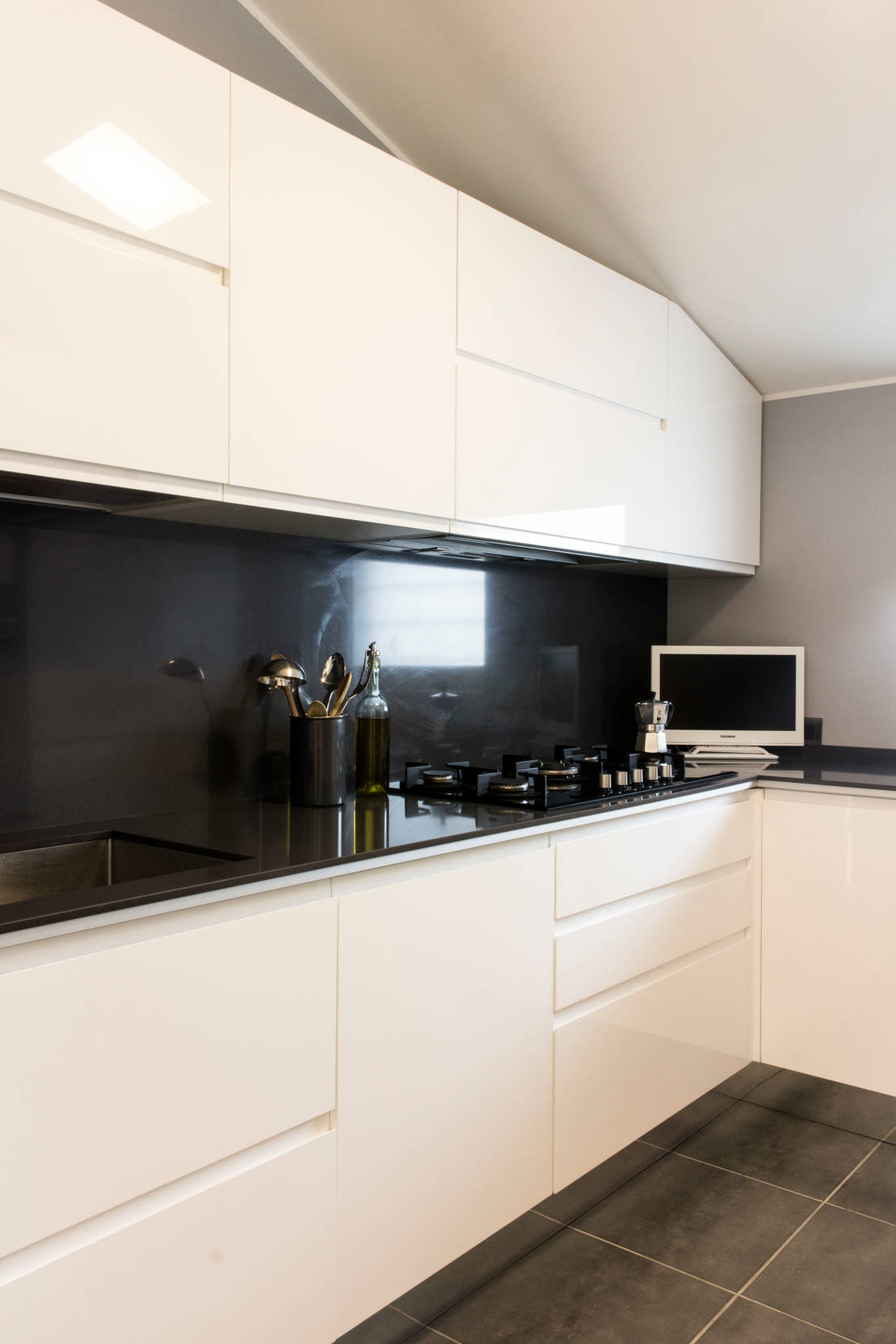 Cucina in bianco e nero