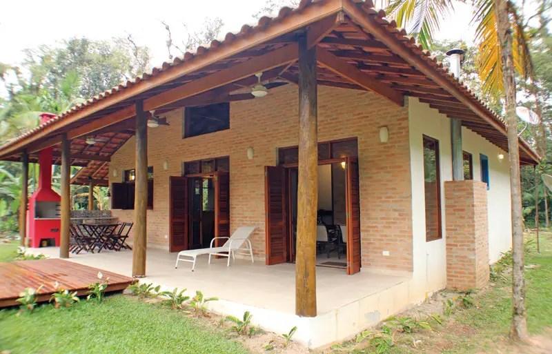 Construda com material barato casa de praia rstica arrasa