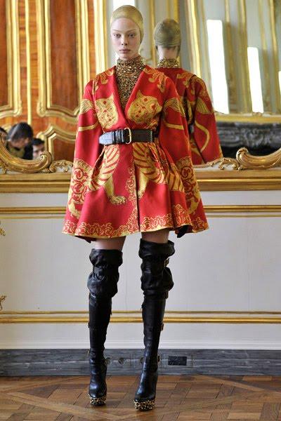 Alexander McQueens Final Collection Presented In Paris
