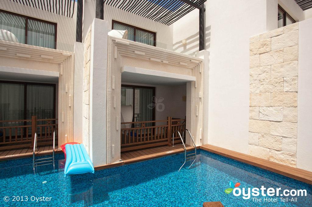 11 Gorgeous Swim-Up Suites (PHOTOS)   HuffPost