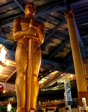 2014-02-24-statue.jpg