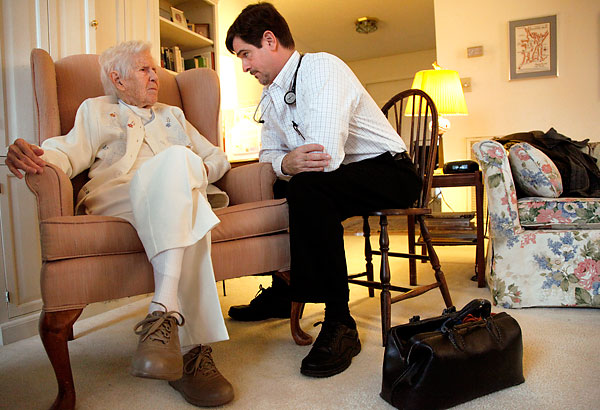 When To See A Geriatrician  Huffpost