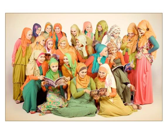 2014-08-03-hijabstylecommunityindonesiaaugustus2013.jpg
