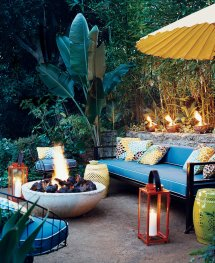 Outdoor Tropical Patio Decor