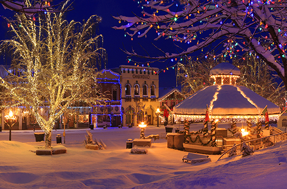 10 Best Small Towns for the Holidays  HuffPost Life