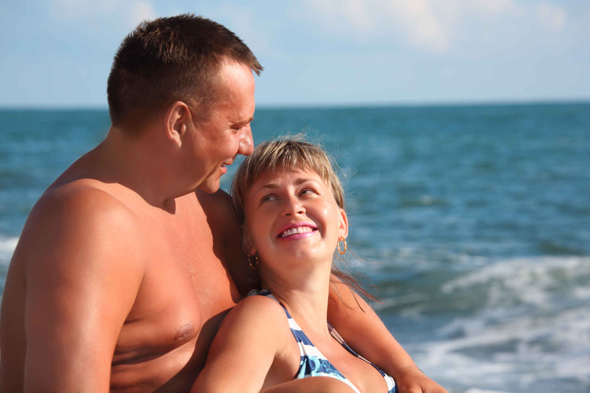 The Worst Couples You Meet On Vacation Huffpost Life