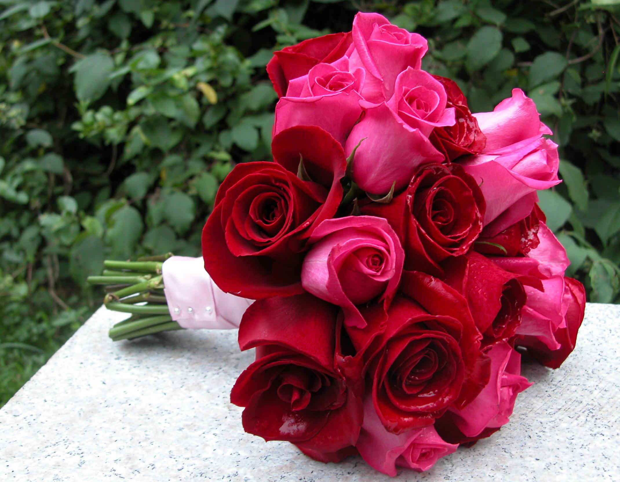 A Basic Rose DIY Wedding Bouquet