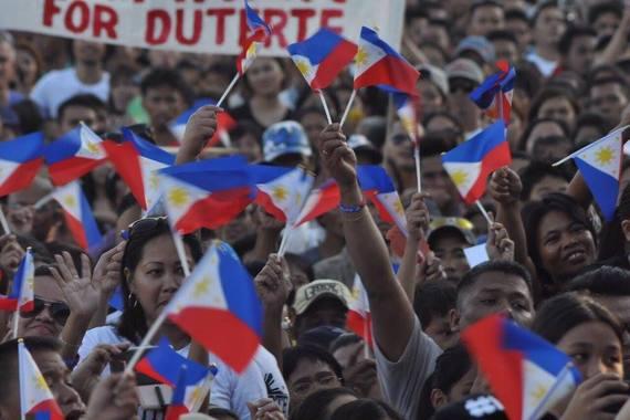2016-04-13-1460578318-9898770-Duterte4.jpg