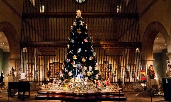 Metropolitan Museum Hosts Special Holiday Exhibits And