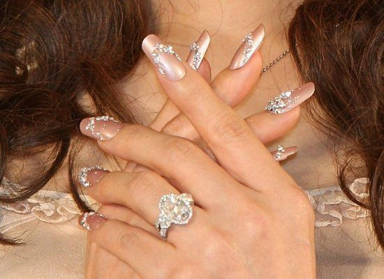Japanese actress Mao Daichi's fingernail impression from the Nail Queen 2009 Awards Ceremony