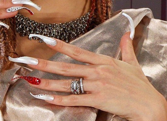Japanese singer Anna Tsuchiya's fingernail impression from the Nail Queen 2009 Awards Ceremony