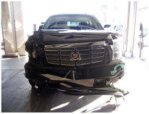 Tiger Woods Car Crash PHOTOS: Police Pictures Show SUV Damage | HuffPost