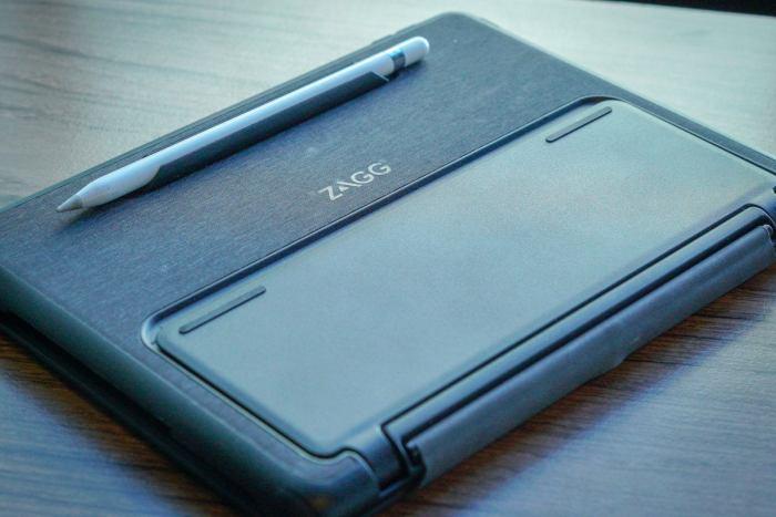zagg nomad book ipad keyboard case apple pencil
