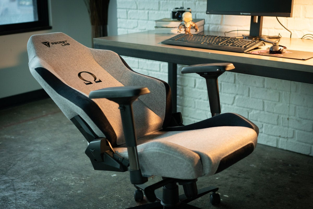 Keyboard Chair Secretlab Omega Softweave Gaming Chair Firmly Comfortable Pcworld