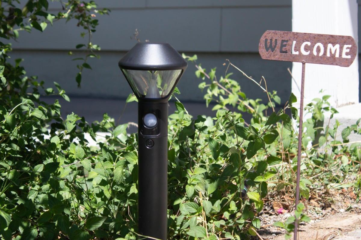 the ring smart lighting 4 pathlight