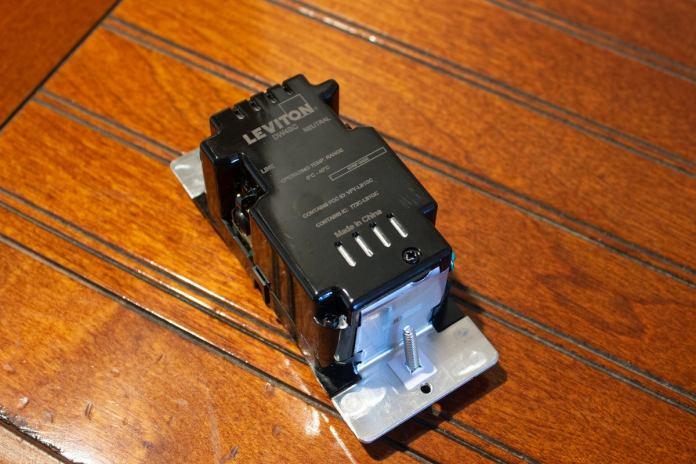 leviton 4 button controller back