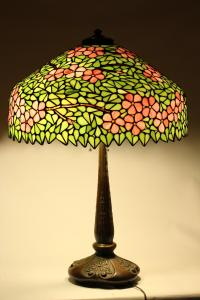 iGavel Auctions: American Leaded Glass Shade and Bronze ...