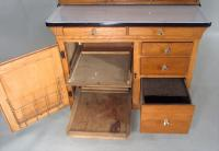 iGavel Auctions: Hoosier Baking Cabinet, Made by Sellers