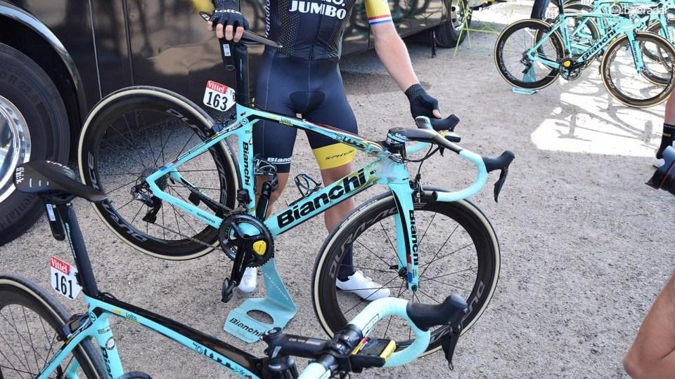 tour de france bikes roglic and
