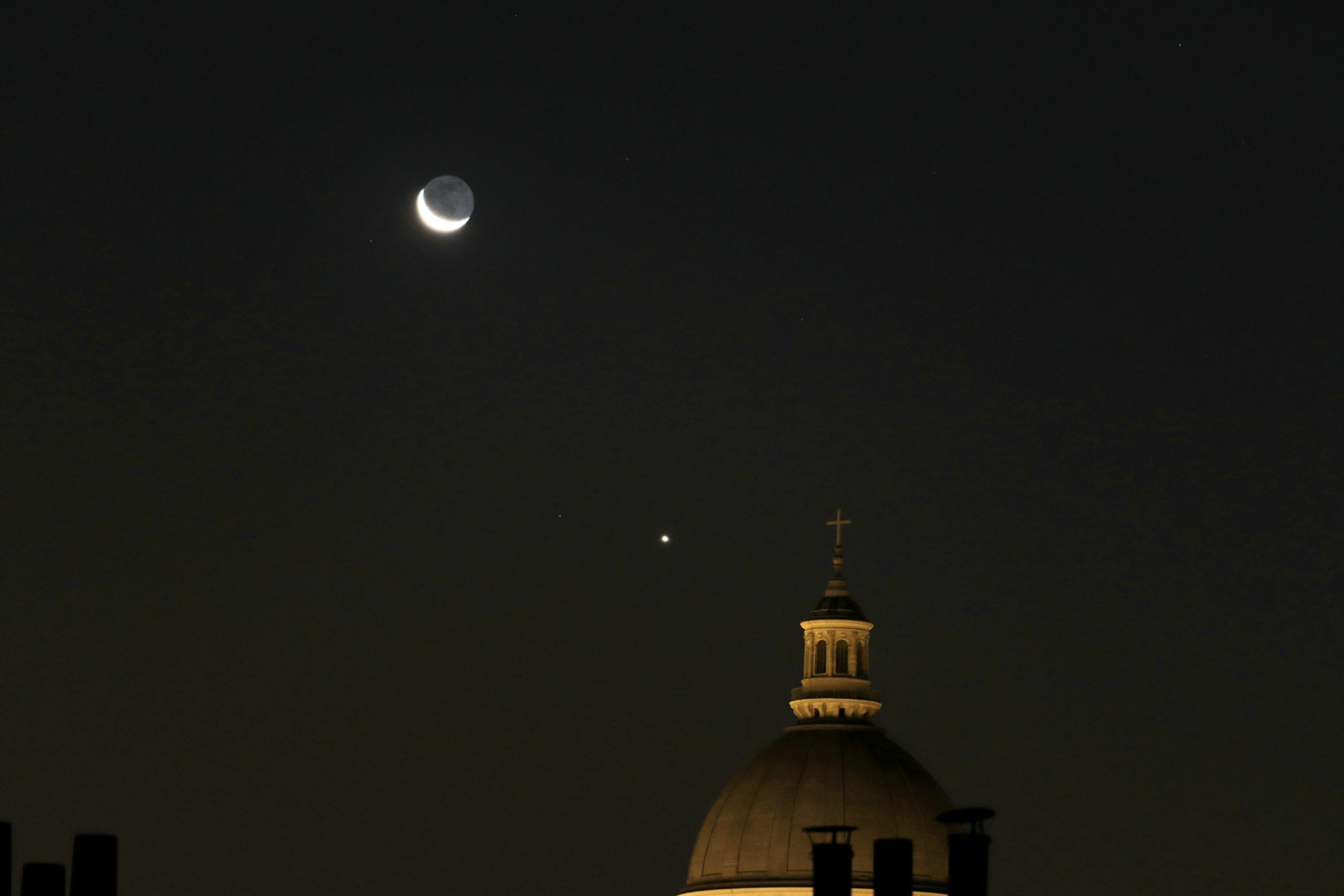 Lune, Vénus,  Panthéon