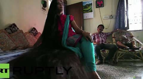 video indian woman with 7 ft long