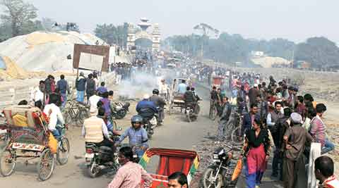 Key IndiaNepal border post open trucks cross after 5 months  The Indian Express