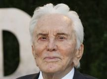 Kirk Douglas' former house up for sale | The Indian Express