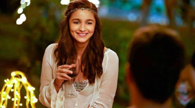 alia bhatt in kapoor and sons